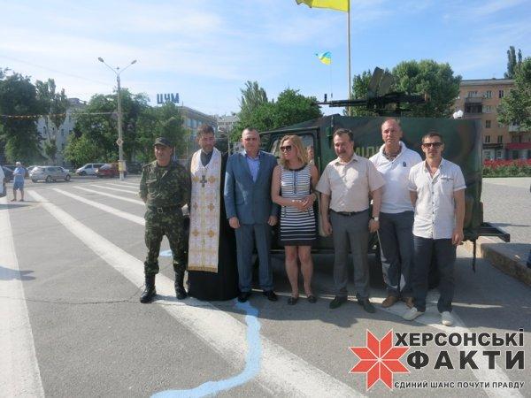 Волонтеры передали батальону «Херсон» бронированный автомобиль