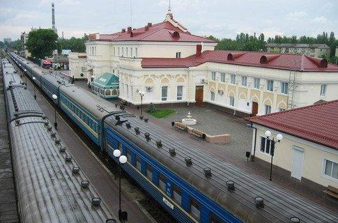 Из-за непогоды в Херсоне опаздывают поезда
