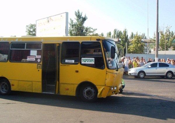 В Херсоні під час руху помер водій маршрутки
