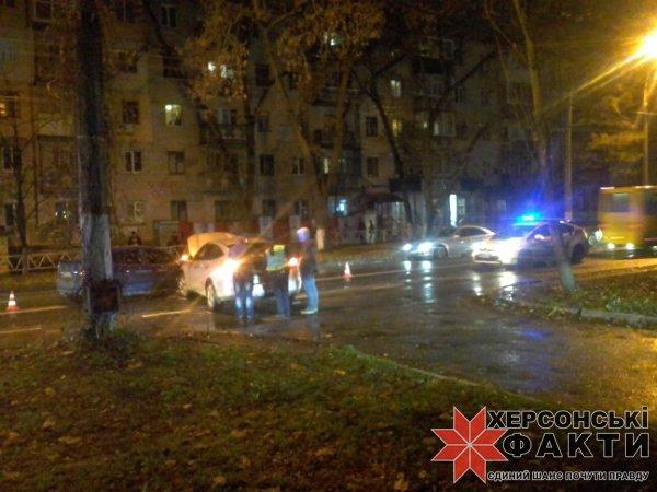 На проспекте Ушакова образовалась огромная пробка из-за массового ДТП