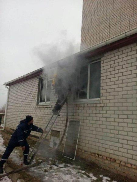 Ялинкова гірлянда стала причиною пожежі в Херсоні