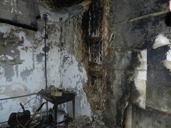 У Херсоні вогнеборці врятували від пожежі 7 людей и собаку