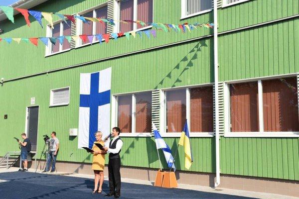 На известной депутатской херсонской школе отмыли четверть миллиона гривен