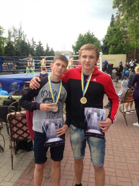 Херсонские спортсмены привезли медали с Всеукраинского турнира по боксу
