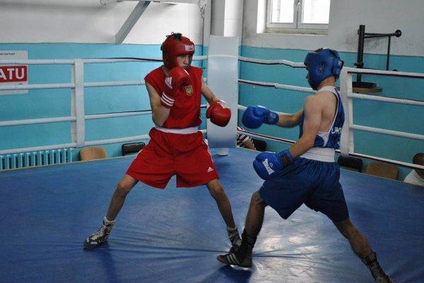 В Херсоне прошли юношеские спортивные игры по боксу