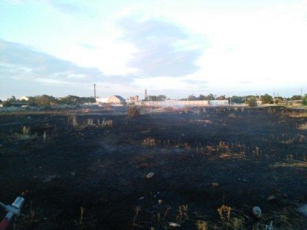 В області продовжує горіти суха трава і сміття