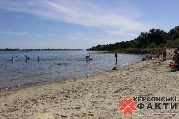 """Пляжи Херсона: на """"Лилее"""" бесплатно, безалаберно, бесцельно"""