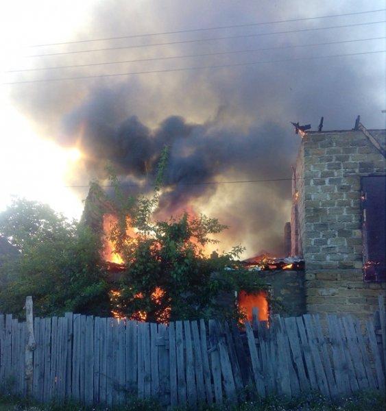 У Херсонській області згорів будинок та автомобіль
