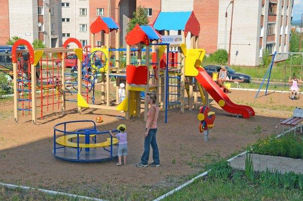 Херсонская депутат просит установить детскую площадку на Жилпоселке