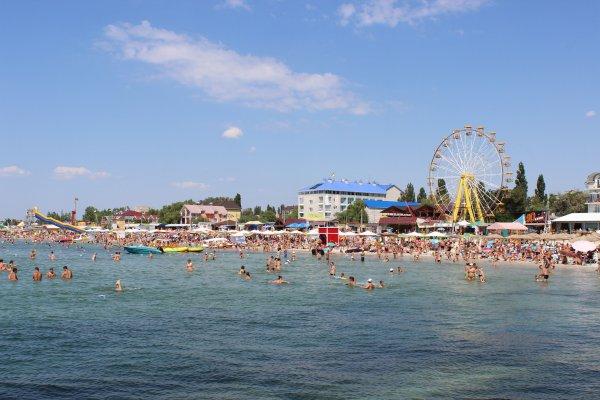 Фірма славнозвісного Олексія Тишкевича дивним чином стала власником одразу 12 земельних ділянок на березі моря у Залізному Порту