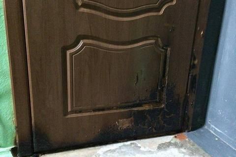 В сентябре будут судить поджигателей дверей квартиры мэра Херсона