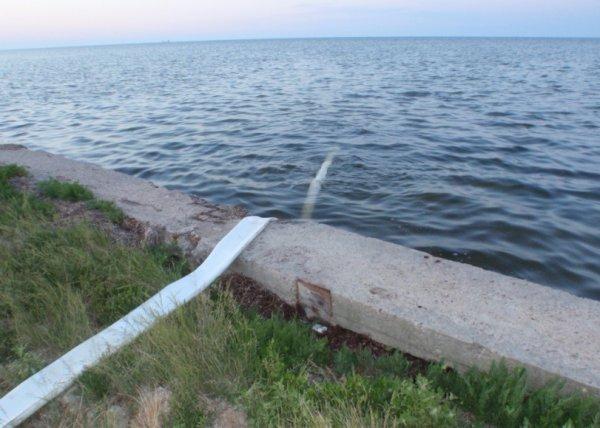 Море в Скадовске стало опасно для отдыхающих