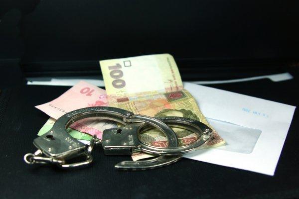 Появились подробности задержания херсонской чиновницы на взятке