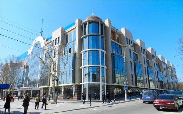 Российский банк хочет забрать скандальный ТРЦ «Суворовский» за долги