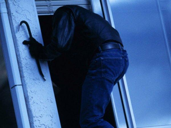 На Херсонщині поліцейські затримали підозрюваного у крадіжках з будинків