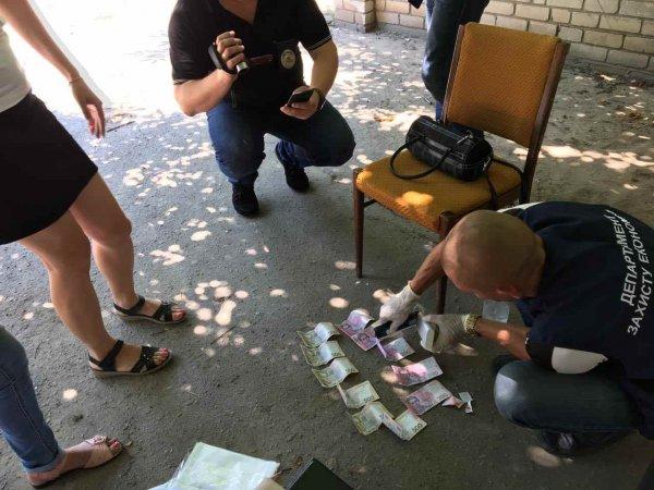 На Херсонщине взяточница из военкомата отделалась штрафом