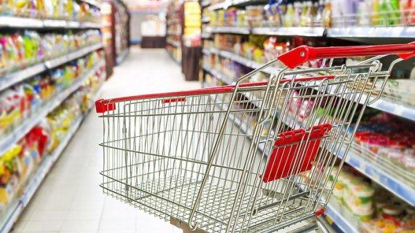 Экономист: Из-за бедности малейшие колебания цен на продукты существенно влияют на финансы украинцев