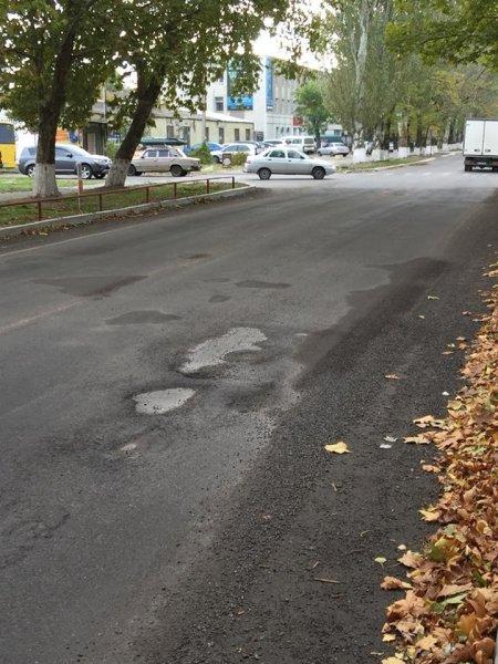 Расследование некачественного ремонта дорог в Новой Каховке вскрыл ряд нарушений