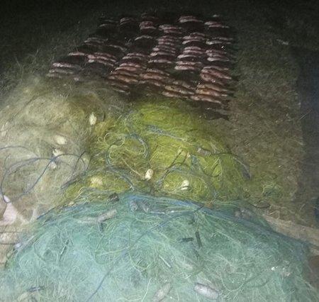 На Херсонщині поліцейські вилучили 1000 метрів браконьєрських сіток