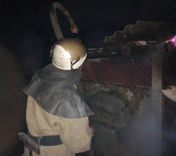 Пожежні ліквідували загоряння допоміжних споруд в Олешках