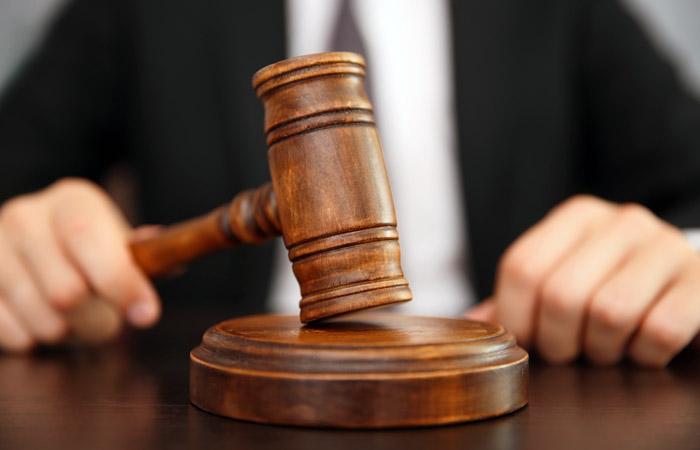 У Голій Пристані судом застосовано запобіжний захід відносно особи, яка підозрюється у крадіжці паркану у центрі міста