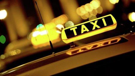 В Херсоне таксист украл телефон у клиентки