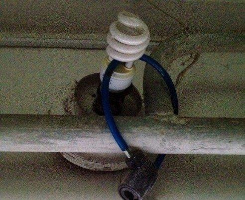 В Херсоні поліцейські затримали лампочного крадія