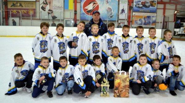Херсонська дитячо-юнацька спортивна школа із зимових видів спорту отримала звання найкращої хокейної школи України