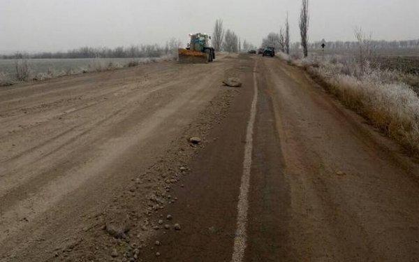 """На Херсонщине водитель отсудил у """"дорожников"""" деньги за яму на трассе"""