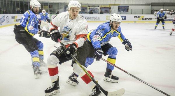 В четверг в Херсоне сыграют лидеры Украинской хоккейной лиги