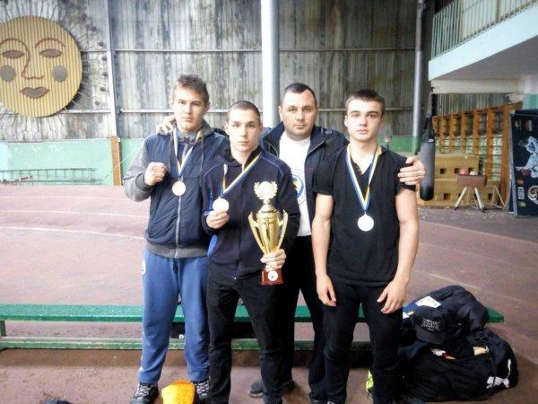 Херсонские боксеры завоевали полный комплект наград на переходном чемпионате Украины