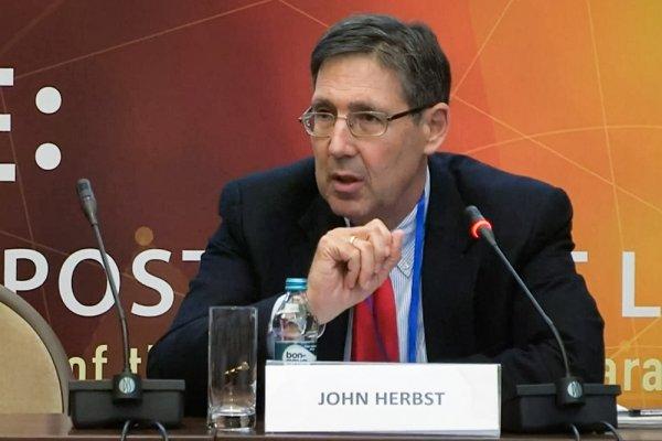 Екс-посол США в Україні Джон Гербст: Юлія Тимошенко не друг Кремля, вона прихильник себе.
