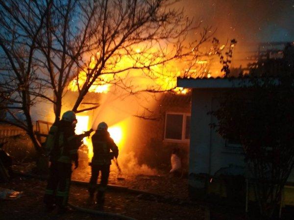 Суворовські рятувальники ліквідували пожежу будинку Степанівці
