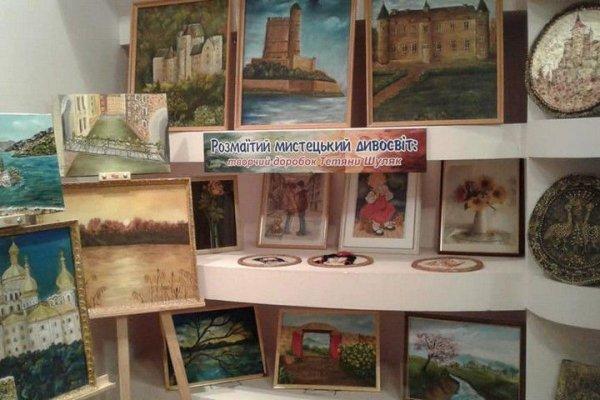 Відкрилась виставка херсонської майстрині Тетяни Шуляк