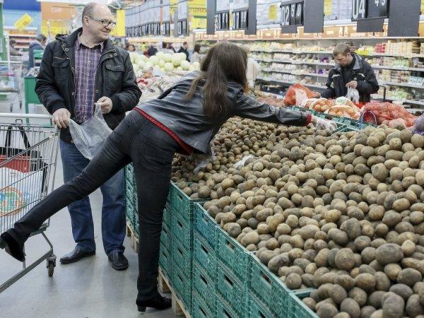 Потребительские настроения украинцев продолжат ухудшаться – экономист