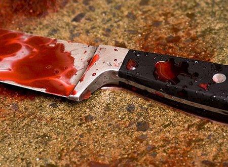 Жителька Херсона під час застілля вдарила знайомого ножем