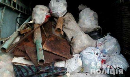 У Новотроїцькому районі дільничні поліцейські викрили чоловіка, який незаконно скуповував брухт чорного металу