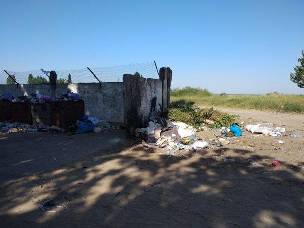 Каховчане жалуются на свалки у берега Днепра