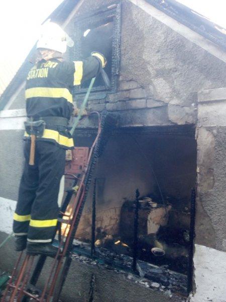 Великолепетиські рятувальники ліквідували пожежу літньої кухні