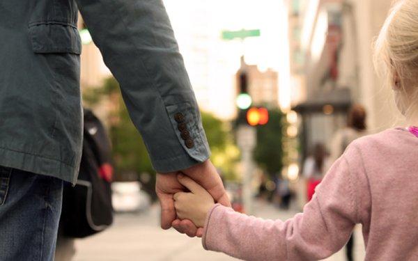 Усыновить ребенка не разрешат без спецобучения: обсуждается проект