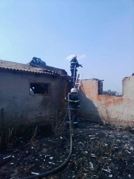 У Скадовському районі загасили пожежу в господарчій споруді