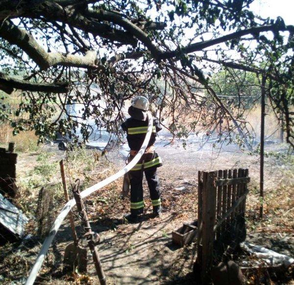 Високопільські вогнеборці ліквідували пожежу на відкритій території