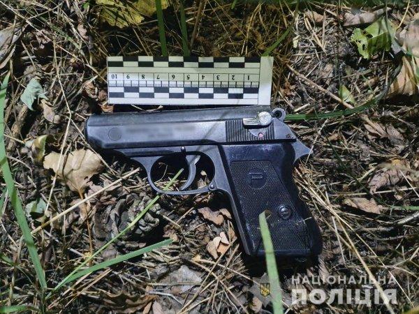 У Голопристанському районі поліцейські вилучили у водія «Фольксвагена» пістолет з набоями