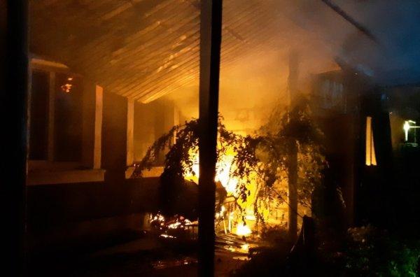 Бериславські рятувальники ліквідували пожежу приватного будинку