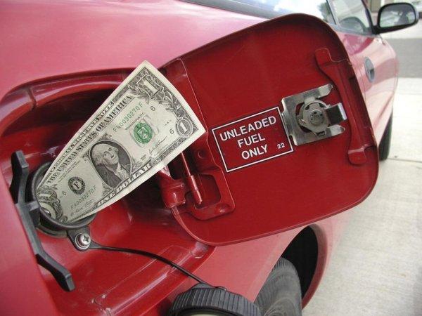 В Украине продолжит дорожать бензин – экономист