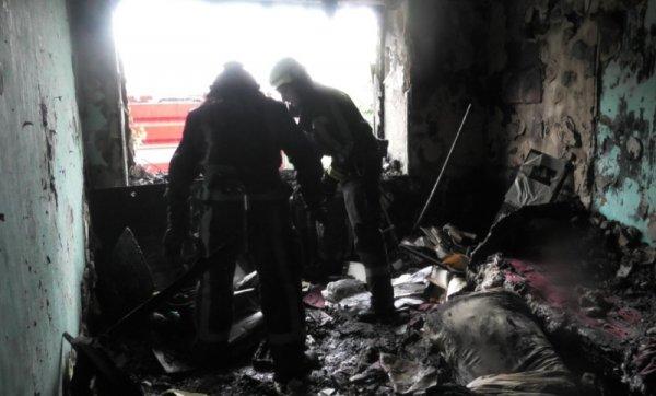 У Херсоні ліквідовано пожежу у триповерхівці. Евакуйовано вісім мешканців будинку