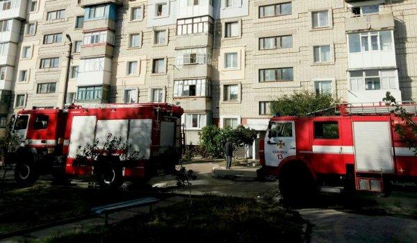 Каховські рятувальники ліквідували пожежу на балконі багатоповерхівки