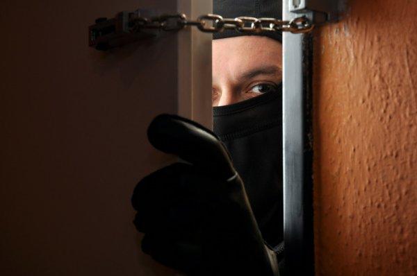 Поспать и поесть: на Херсонщине наказывают тех, кто проникает в чужие дома
