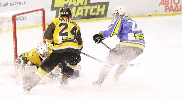 Хоккей. Херсонский «Днепр» в очередной раз обыграл «Белый Барс»