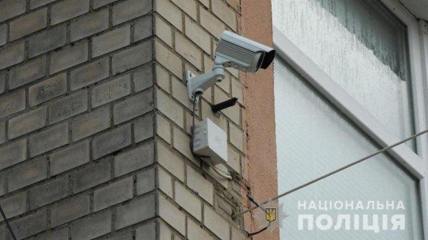 Завдяки камерам відеоспостереження каховські оперативники затримали вуличного грабіжника